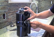 How can the Plumber in London Unclog the Garbage Disposal image